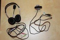 Webkamera se sluchátky a mikrofonem