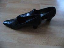 černé kožené boty Tamaris, vel. 38
