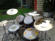 Prodám Bicí soupravu Tama + činely Zildjian